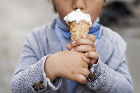 Little boy's hands holding ice cream cone - VABF000029