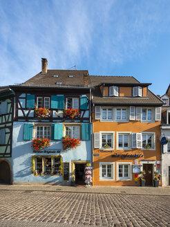 France, Alsace, Colmar, La Petite Venise quarter, half-timbered houses - AM004594