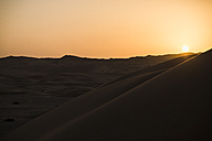 United Arab Emirates, desert at sunset - MAUF000198