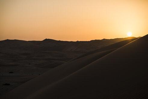 United Arab Emirates, desert at sunset - MAUF000198