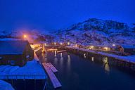 Norway, Lofoten, Nusfjord, Marina by night - LOMF000172