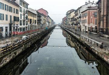 Italy, Milan, Canal Naviglio Grande - DAWF000412