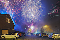 Fireworks in residential area - FRF000374