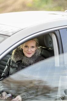 Woman in car - CHPF000187