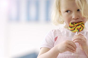 Portrait of little blond girl with lollipop - GUFF000206