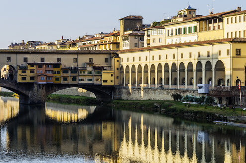 Italy, Tuscany, Florence, Arno River and Ponte Vecchio - THAF001552