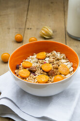 Bowl with cereals and physalis - LVF004392