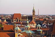 Germany, Bavaria, Middle Franconia, Nuremberg, Townhall and St. Lorenz Church - SIEF006923