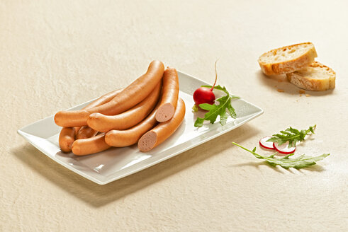 Wiener sausages on plate - DIKF000179