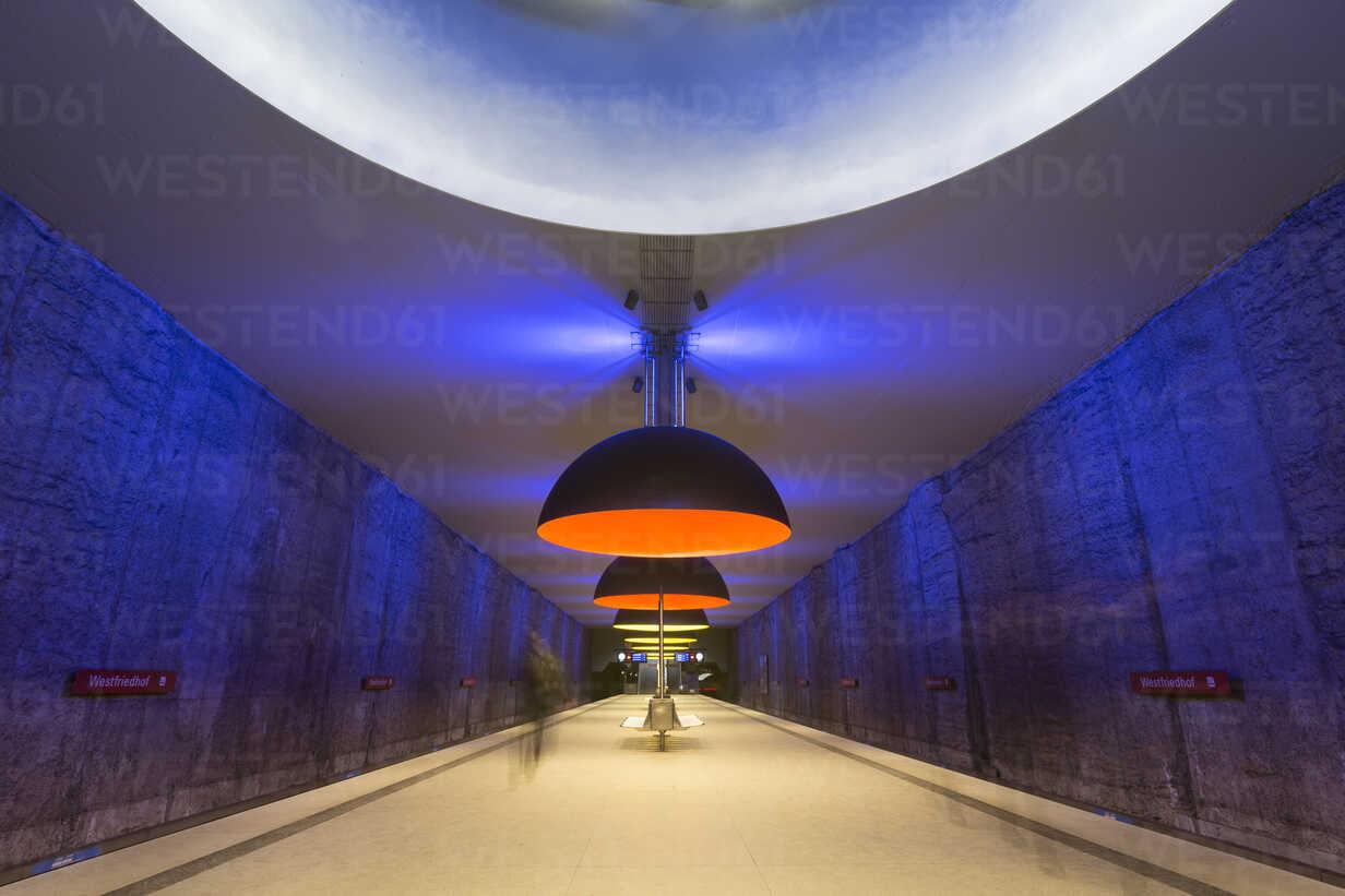 Germany, Munich, indoor view of underground station Westfriedhof - FC000826 - Christina Falkenberg/Westend61