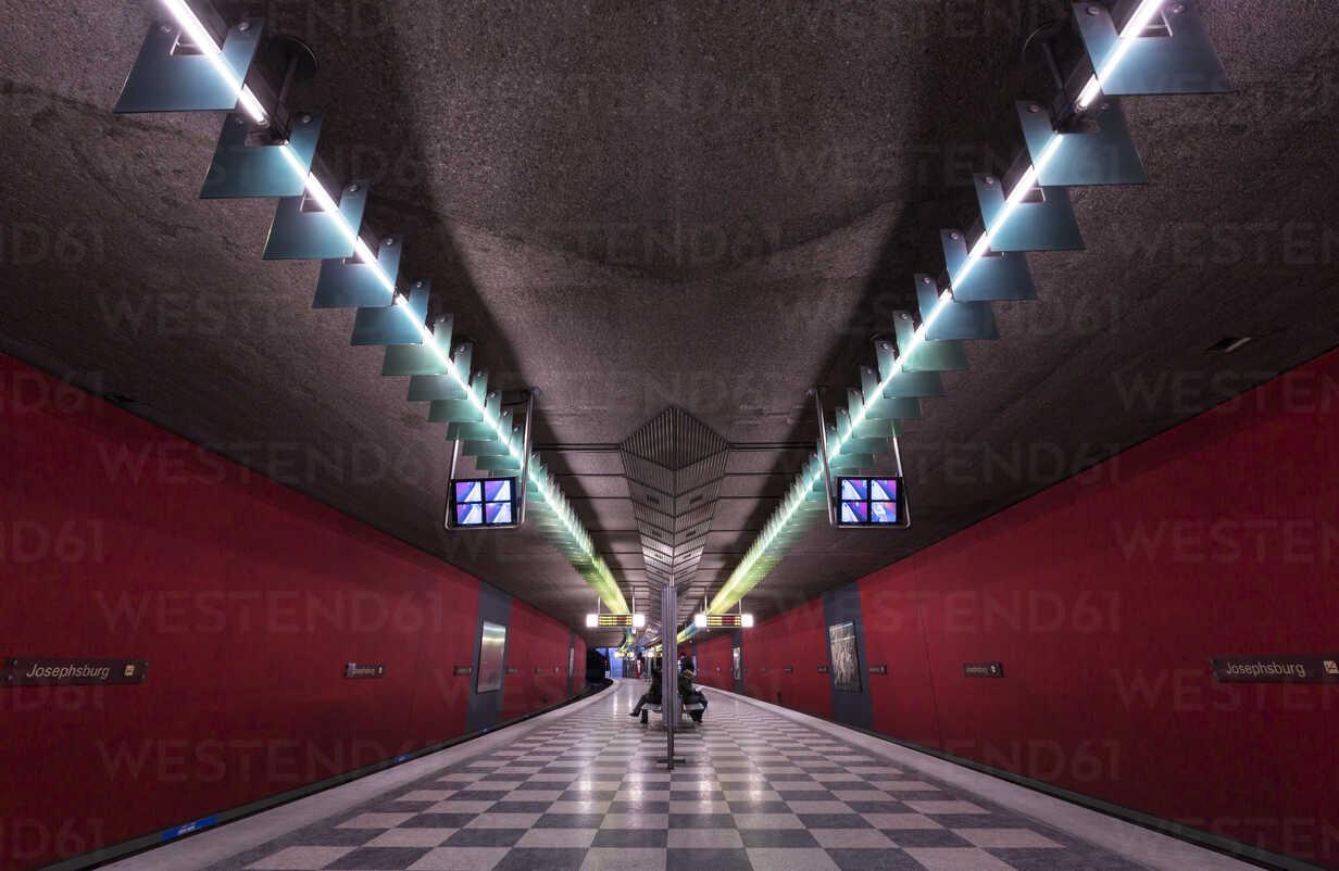 Germany, Munich, indoor view of underground station Josephsburg - FC000829 - Christina Falkenberg/Westend61