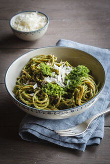 Bowl of whole-grain spelt pasta with kale and hazelnut pesto and parmesan - EVGF002781