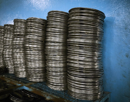 India, Old Delhi, Gurudwara Sis Ganj Sahib, steel plates for meals - DISF002337