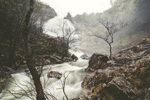 Spain, Galicia, Belelle river in Neda - RAEF000818