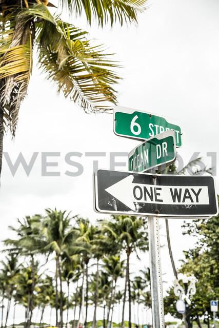 USA, Miami, road sign of Ocean Drive - CHPF000221