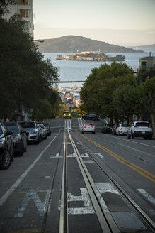 USA, California, San Francisco, Hyde Street, San Francisco Bay and Alcatraz Island - STCF000178