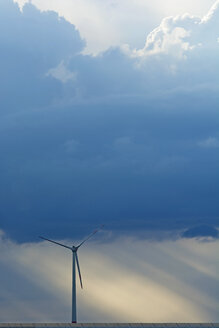 Germany, Bavaria, wind wheel and thunderclouds - UMF000808