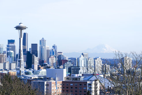 USA, Washington, Seattle, Cityscape with space needle and mountain - NGF000253