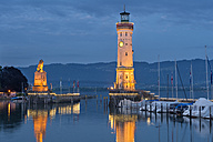 Germany, Lindau, Harbour entrance with lighthouse and Bavarian lion - SHF001829