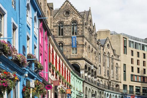 UK, Edinburgh, row of coloured houses at West Bow - SHF001861