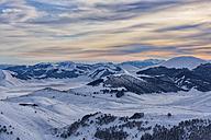 Italy, Umbria, Monti SIbillini National Park, Sunset on plateau Piano Grande of Castelluccio di Norcia in winter - LOMF000214