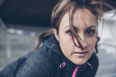 Portrait of mid adult sportive woman - DAPF000019