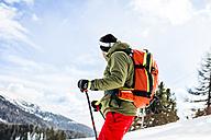 Austria, Turracher Hoehe, skier in the mountains - DAWF000515