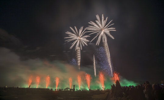 Germany, Hannover, international fireworks competition at Herrenhausen Gardens - PVCF000775