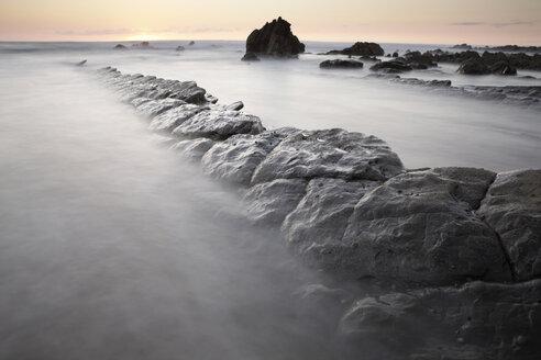 Spain, Basque Country, Pais Vasco, Barrika beach at sunset - DSGF000914