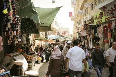 Palestine, West Bank, Bethlehem, old town, street scene - REA000073