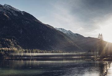 Germany, Bavaria, Berchtesgadener Land, Ramsau, Lake Hintersee in winter - MJF001754