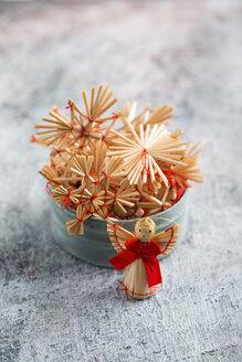 Christmas decoration, straw stars and angel figurine - MYF001364