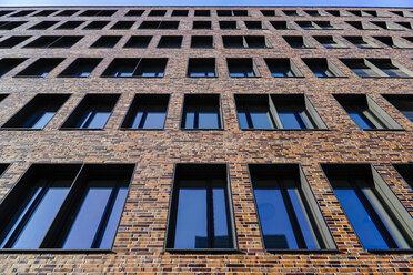Germany, Hamburg, part of facade of building at Hafencity - HOHF001399
