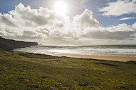 France, Bretagne, Finistere, Crozon peninsula, coastal landscape in backlight - UUF006708