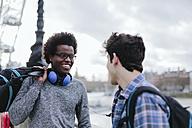 UK, London, two best friends communicating - BOYF000114