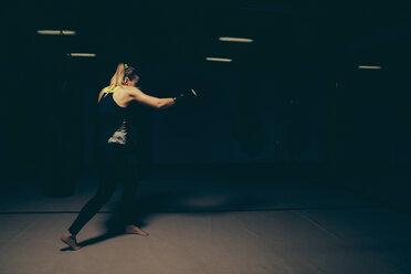 Female boxer exercising - ZEDF000075