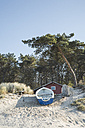 Germany, Zempin, hut and rowing boat on the beach dunes - ASCF000522