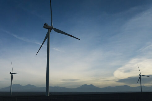 Chile, San Pedro de Atacama, windmills in Atacama desert - MAUF000350