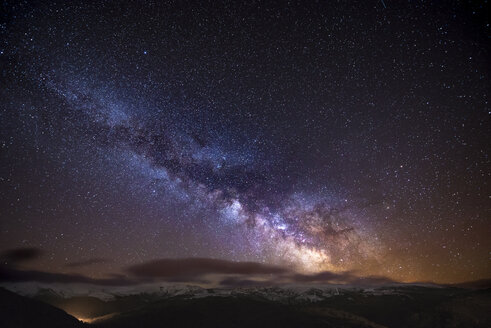 Spain, Ourense, night shot with stars and milky way in winter - EPF000031
