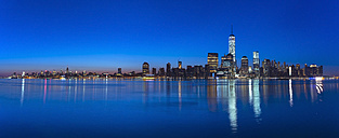 USA, New York City, Manhattan, panorama of financial district at dawn - HSIF000437