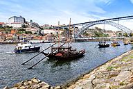 Portugal, Porto, Vila Nova da Gaia, Barcos Rabelos, Douro river - DSGF001123