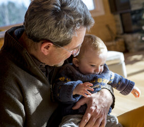 Father with his baby boy at home - ZOCF000006