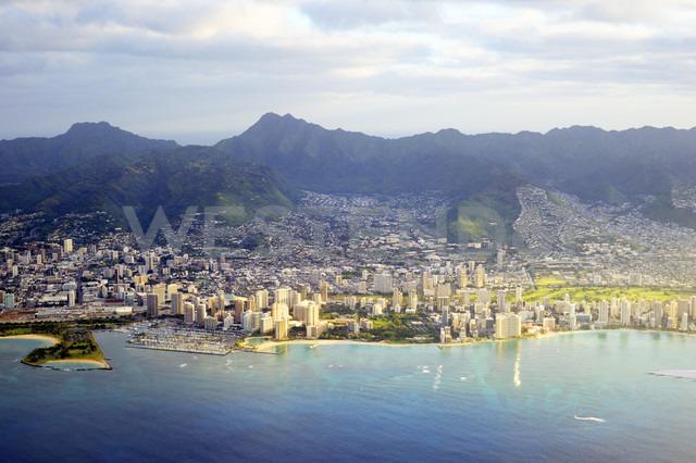 USA, Hawaii, Honolulu, Waikiki in the morning light - BRF001277 - Biederbick&Rumpf/Westend61