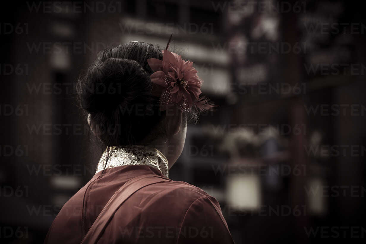 Canada, Vancouver, Chinese New Year, chinese woman with hair decoration - NG000314 - Nadine Ginzel/Westend61