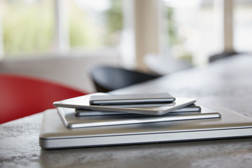 Stack of mobile devices - RHF001398
