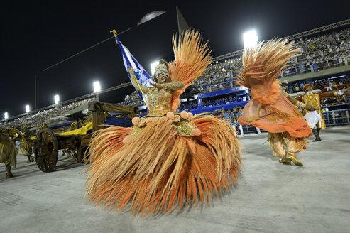 Brazil, Rio de Janeiro, Parade of samba school Beija Flor de Nilopolis at the sambadrome - FLK000689