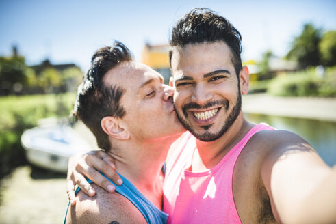 Happy gay couple taking selfie - LEF000060