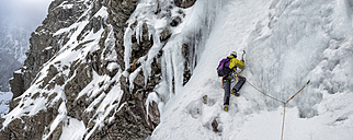 United Kingdom, Scotland, Ben Nevis, ice climbing - ALRF000363