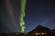 Iceland, Snaefellsnes, Arnarstapi, Northern lights - FCF000867