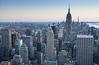 USA, New York, Manhattan, Empire State Building in the evening - FCF000886